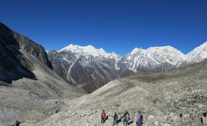 manaslu circuit trek with tsum valley